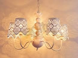 azurowe lampy stojące